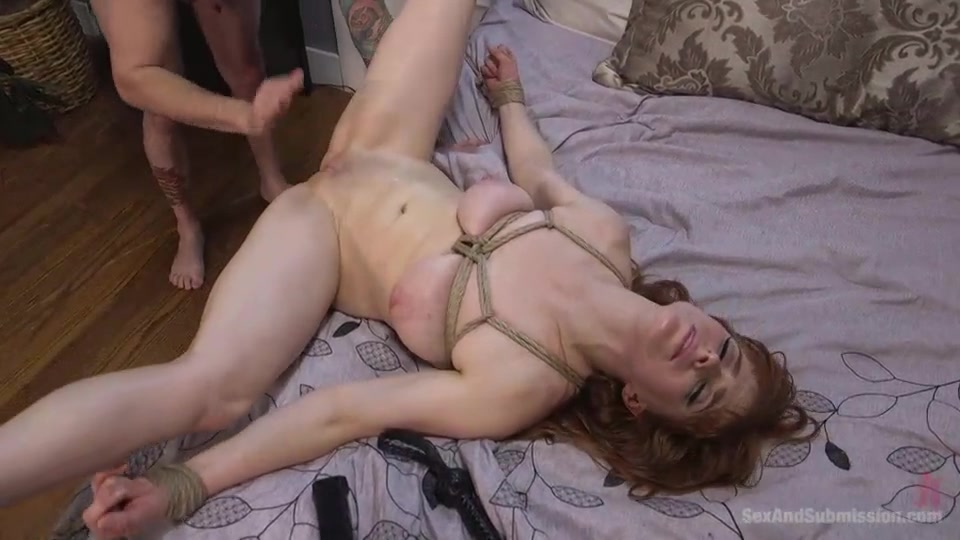 18 yr old grocery cashier sucks cock gets fucked and swallows a hot load